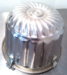 Pudding steamer tin (not aluminium) from Braidwood markets